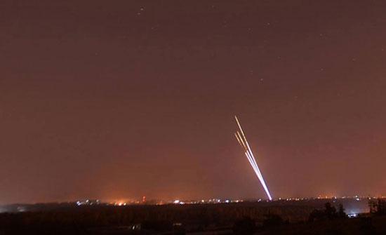 بالفيديو : سقوط 3 صواريخ في محيط السفارة الأميركية ببغداد