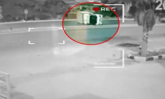 شاهدوا بالفيديو لحظة تدهور شاحنة في الجويدة