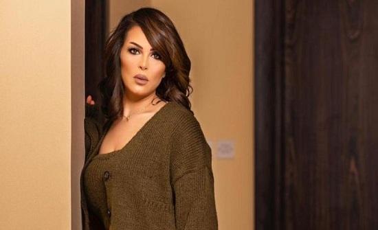 """حقيقة تصالح منى السابر مع إبنتها """" حلا الترك """".. فيديو"""