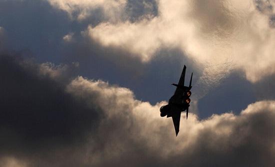 """الجيش """"الإسرائيلي"""" يشن هجوما على مواقع عسكرية في سوريا """"ردا على إطلاق صاروخ"""" من أراضيها"""
