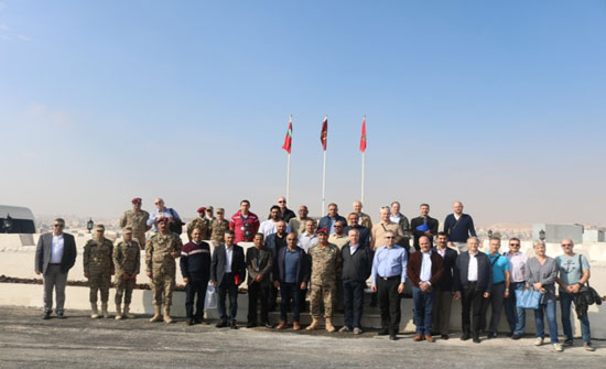 وفد من كلية الدفاع الوطني يزور قيادة لواء سمو الشيخ محمد بن زايد