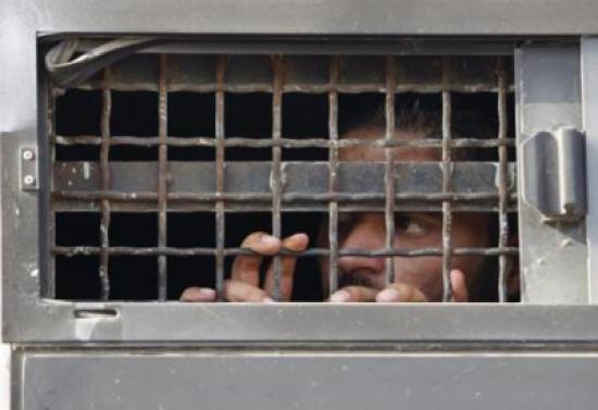 11 أسيرا فلسطينيا بسجون الاحتلال الاسرائيلي مصابون بمرض السرطان