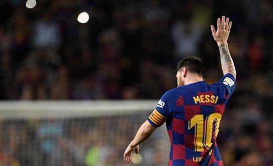"""المدير الرياضي لبرشلونة يكشف مستجدات """"تجديد عقد ميسي"""""""