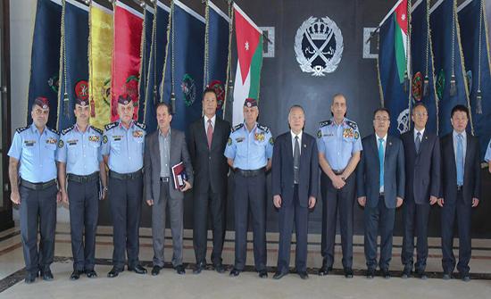 مدير الأمن العام يلتقي نائب وزير الأمن الصيني