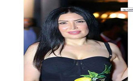 بسبب صورتها العارية.. فنانة مصرية تشتم متابعة بطريقة صادمة وتفقد أعصابها