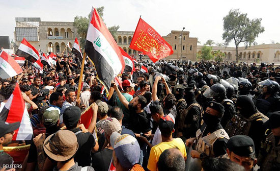 بالفيديو : صدامات وسط بغداد خلال مظاهرات ضد الفساد