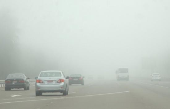 تحذير من إدارة السير للسائقين حول القيادة في الاجواء الماطرة