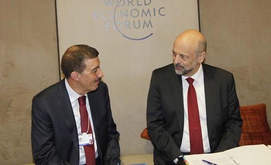 الرزاز يلتقي مسؤولين واقتصاديين في دافوس