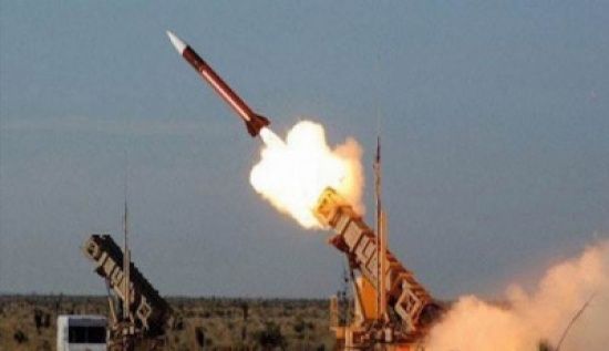حقوق الإنسان اليمنية تدين إطلاق الحوثيين صاروخا باليستيا على مأرب