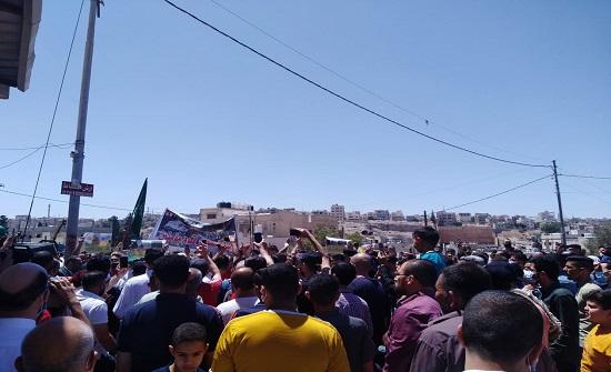 الزرقاء: فاعليات حزبية وشعبية تطالب بوقف العدوان على القدس وغزة