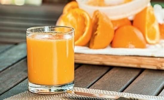 لا تبكر في تقديم العصير للرضيع قد يسبب السمنة لهم