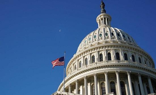 رفع جلسة مجلس الشيوخ الأميركي بعد اقتحام شرفات الكونغرس