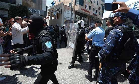 """الشرطة الفلسطينية توقف ناشطين طالبوا بمحاسبة قتلة """"بنات"""""""