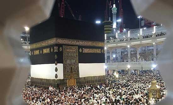 """المسجد الحرام يلحق بـ""""النبوي"""" في صلاة التراويح"""