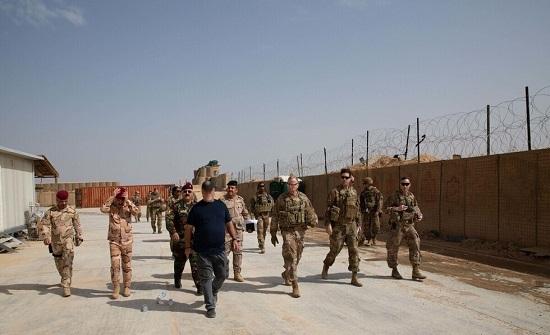 بالفيديو : القوات الأمريكية تنسحب من قاعدة استراتيجية على حدود العراق مع سوريا