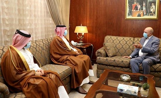 الفايز يؤكد حرص الأردن على تعزيز علاقاته الأخوية مع قطر