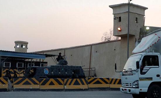 معتقلون ينتفضون بالسجون بعد وفاة الرئيس مرسي