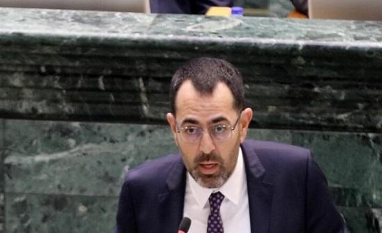 النائب العتوم : منح الثقة للحكومات أصبح بروتوكولا