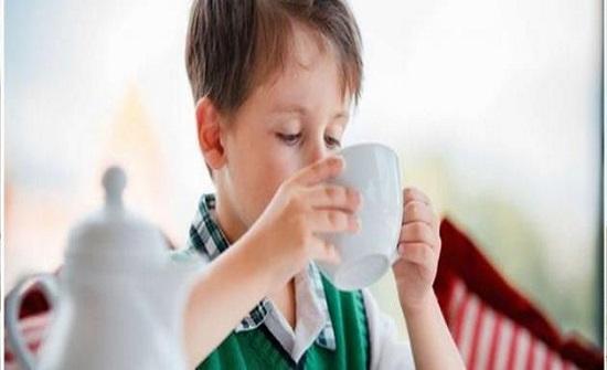 مخاطر الشاي على صحة الطفل ؟