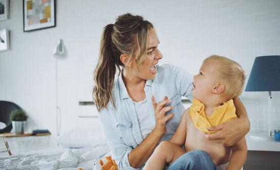 دراسة تحذر.. قسوتكم على أطفالكم تؤذي أدمغتهم