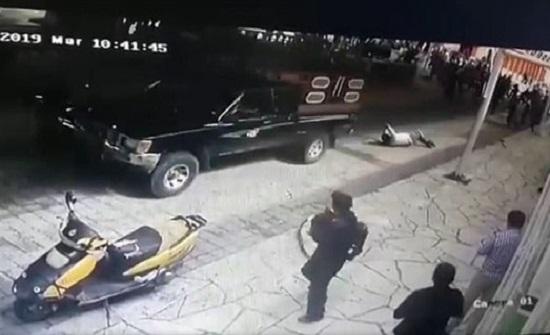 سحل عمدة لم ينفذ وعوده للقرويين في المكسيك - فيديو
