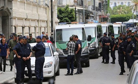 الجزائر.. تورط مسؤولين سابقين في قضية أموال مشبوهة ومجوهرات ضبطت بمسكن في العاصمة