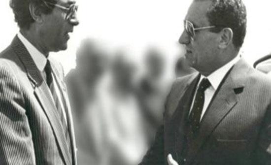 فاروق حسنى حزين على رحيل مبارك وينشر صورة تجمعهما معاً