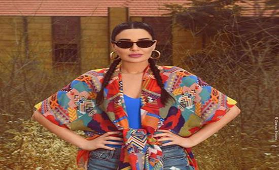 """سيرين عبدالنور في شلالات الزرقا بملابس صيفية مثيرة """"صورة"""""""