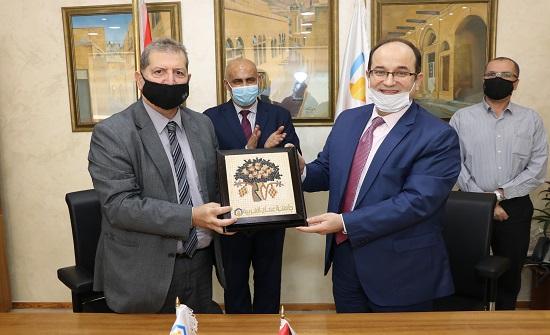 """""""عمان العربية"""" وملتقى الأعمال يوقعان مذكرة تفاهم لتدريب الطلبة"""
