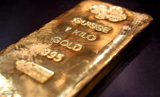"""الذهب يتراجع مع انتظار المستثمرين لإيضاح بشأن فيروس """"كورونا"""""""