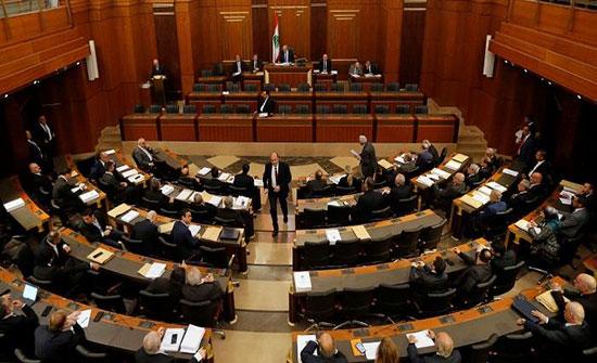 البرلمان اللبناني يقر قانونا يسمح بالحصول على لقاحات كورونا