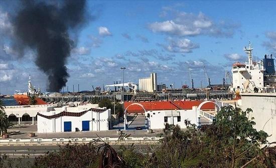 """إثر قصف مطار معيتيقة.. النفط الليبية تدعو إلى صون """"منشآت الشعب"""""""