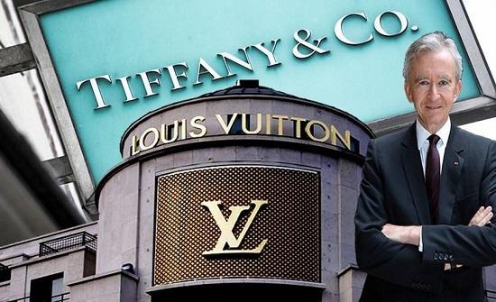 أغنى رجل في العالم فرنسي الجنسية.. كم تبلغ ثروته؟