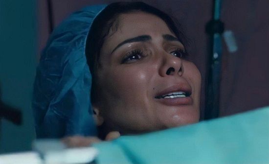 كواليس تصوير مشهد ولادة منى زكي الذي أثار ضجة (فيديو)