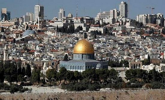 إسرائيل تعتقل وزير شؤون القدس.. وتقتحم ساحات الأقصى