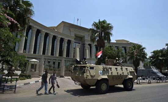 سلطات مصر تخلي سبيل إسراء عبد الفتاح والكاتب جمال الجمل