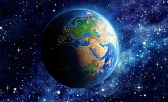 تحدث كل 75 عاما.. الأرض تشهد مرور مذنب باللون الأزرق أو الأخضر