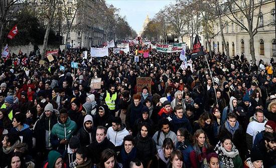 بالفيديو : مدن فرنسية تشهد احتجاجات ضد خطة لإصلاح نظام التقاعد