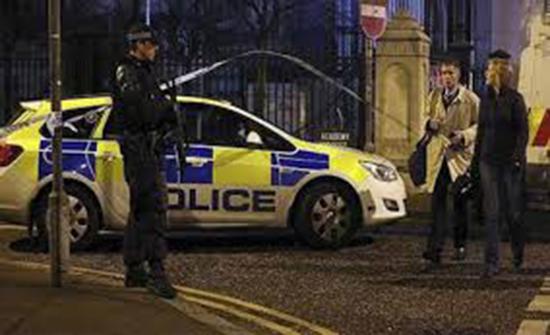اصابة عدد من افراد شرطة إيرلندا الشمالية بقنابل حارقة