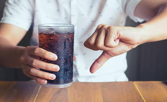 المشروبات الغازية تزيد من خطر الوفاة المبكرة