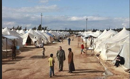 توزيع مساعدات سعودية على اللاجئين السوريين في مخيمي الزعتري والازرق