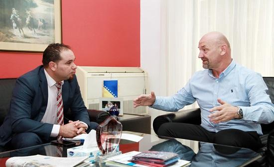 سفير البوسنة يدعو لتعزيز التعاون الاقتصادي مع المملكة