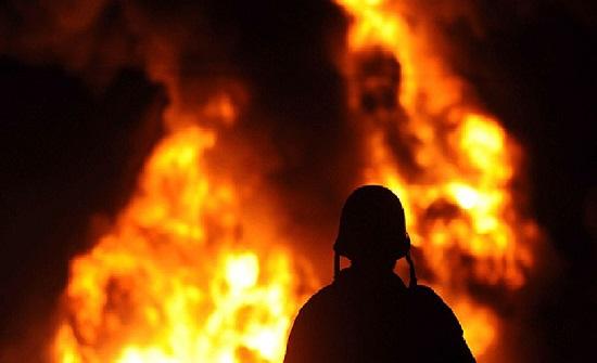 اخماد حريق ساحة خارجية تتبع لأحد المصانع في المفرق