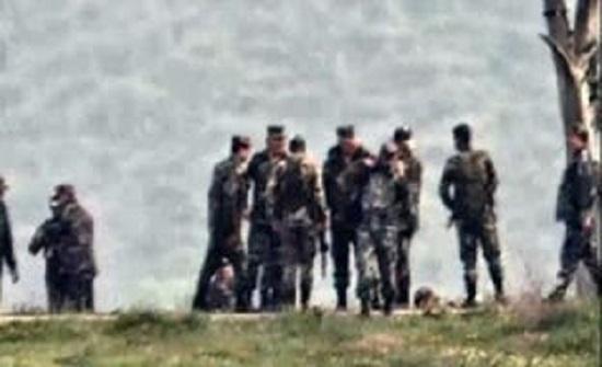 بالفيديو: مسؤول رفيع بحزب الله مع قائد بقوات الأسد بجنوب سوريا