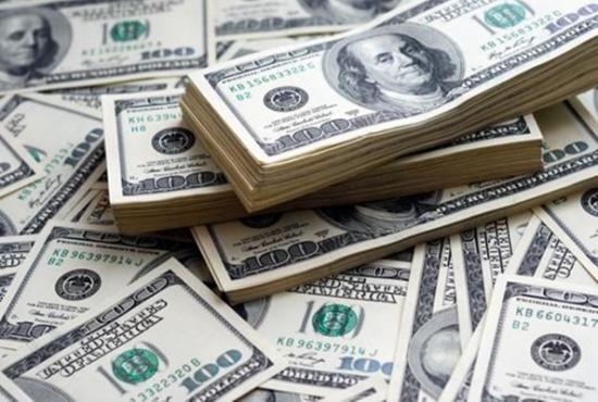تراجع الدولار لأدنى مستوى في ثلاث سنوات