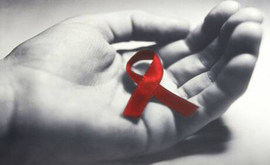 """لأول مرة في روسيا .. فريق دولي يكتشف بالصدفة """"سلاحا سريا"""" ضد الإيدز"""