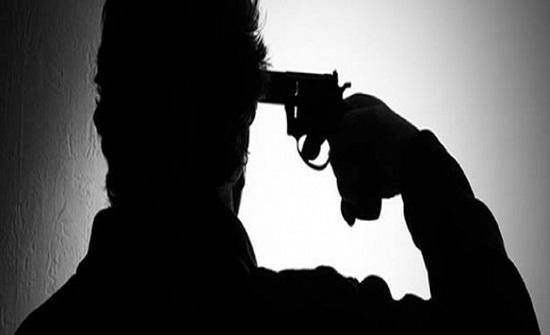 نهاية صادمة لرجل بعد محاولة زوجته منعه من الإنتحار