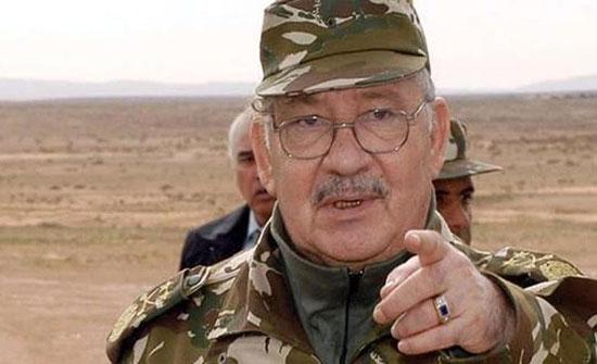 قايد صالح: الجيش سيتصدى لكل من تسول له نفسه المساس بالوطن