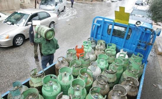 نقيب محطات المحروقات ينفي تحميل ونقل مواطنين بمركبات الغاز