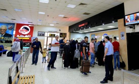 38 ألف مسافر تنقلوا عبر معبر الكرامة خلال اسبوع